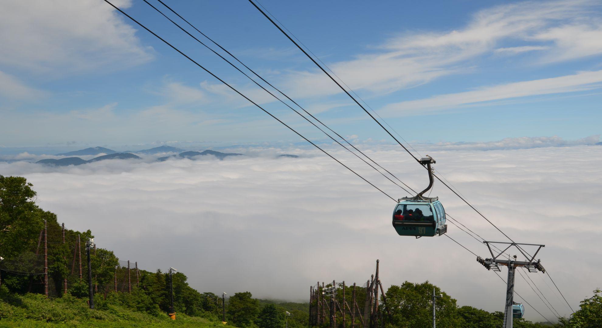 雲海とゴンドラ